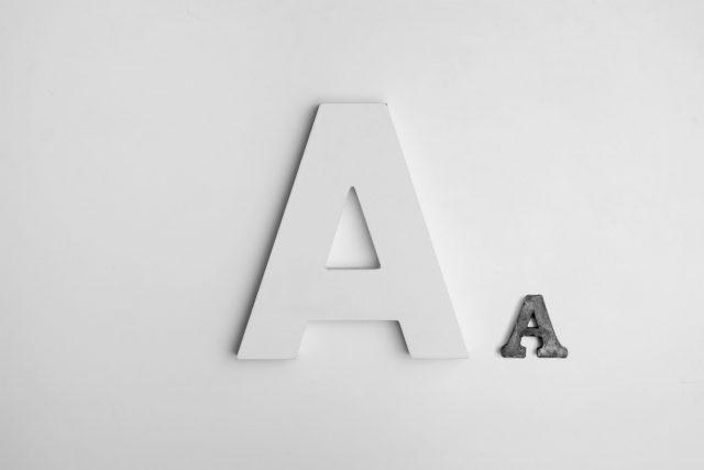 Kuva, jossa on 2 A-kirjainta (saavutettavuus = accessibility)